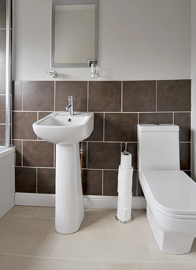 Bathroom fitters leeds leeds plumbing services leeds for Bathroom design leeds
